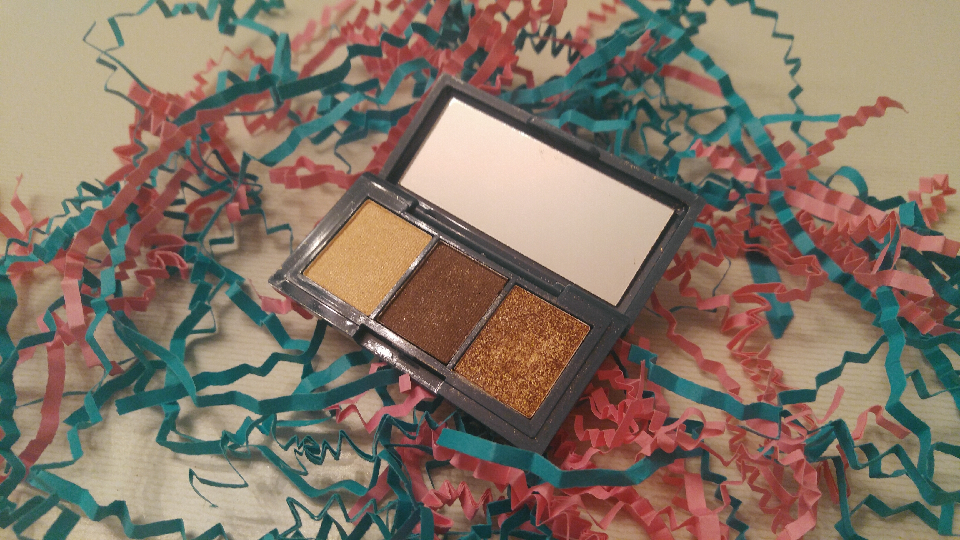 Beauty Box 5: Peony Cosmetics Eyeshadow Trio