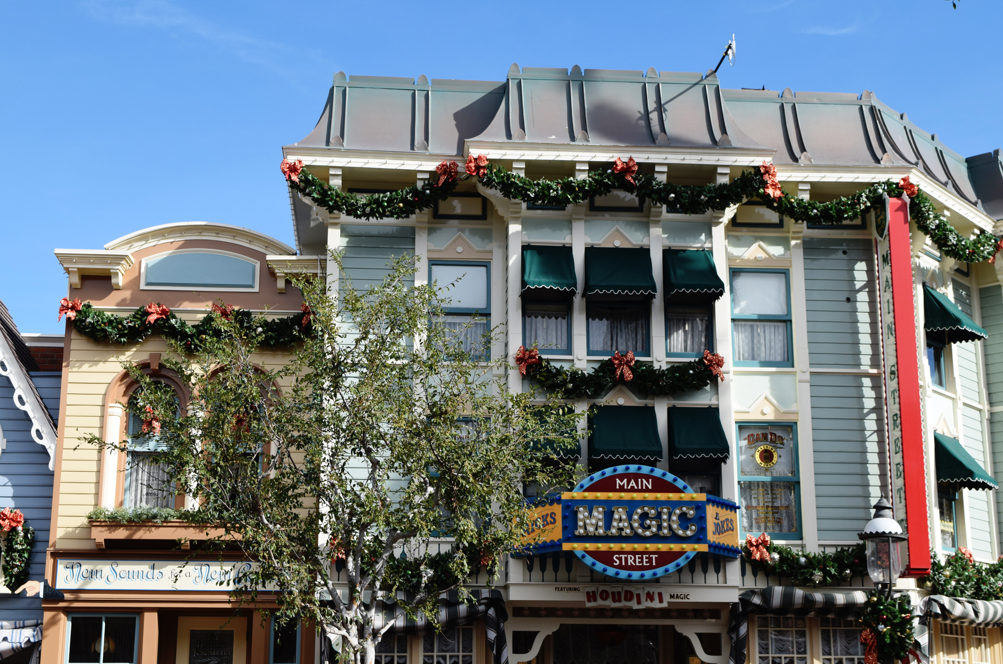 Disney Days: Christmas At the Parks | Style Through Her Eyes